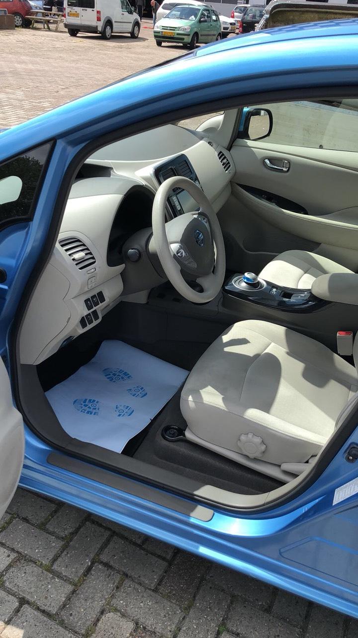 купити б/у електромобіль Nissan Leaf Acenta