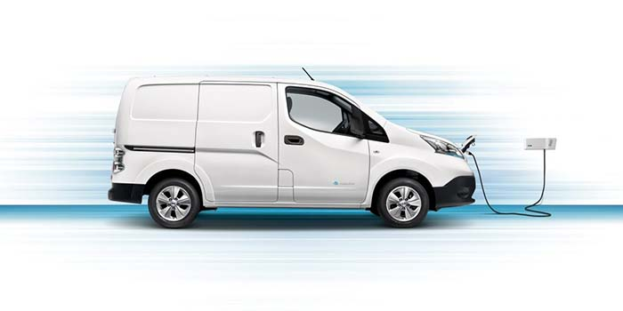 електричний мінівен Nissan e-NV200