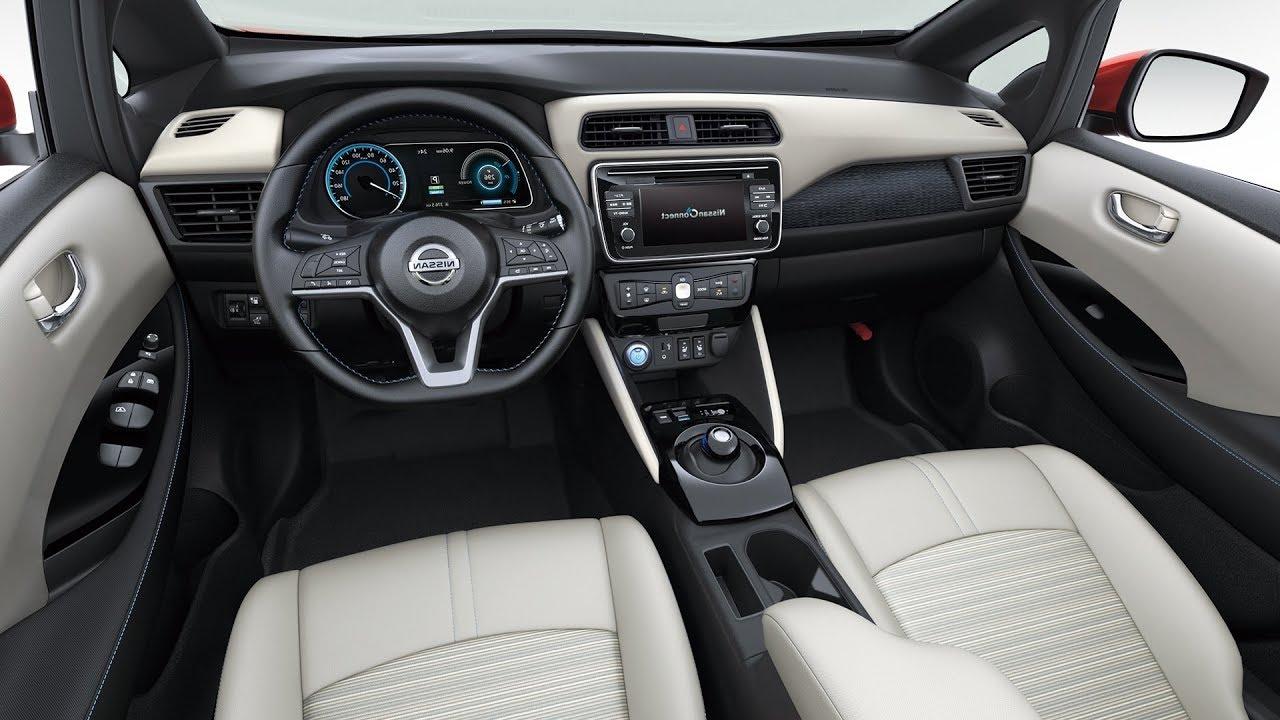 салон електромобіля Nissan Leaf 2018