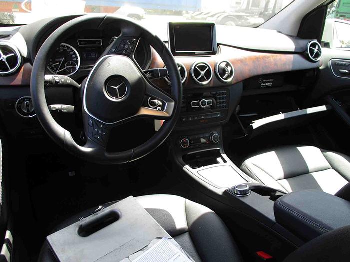 салон електромобіля Mercedes-Benz B