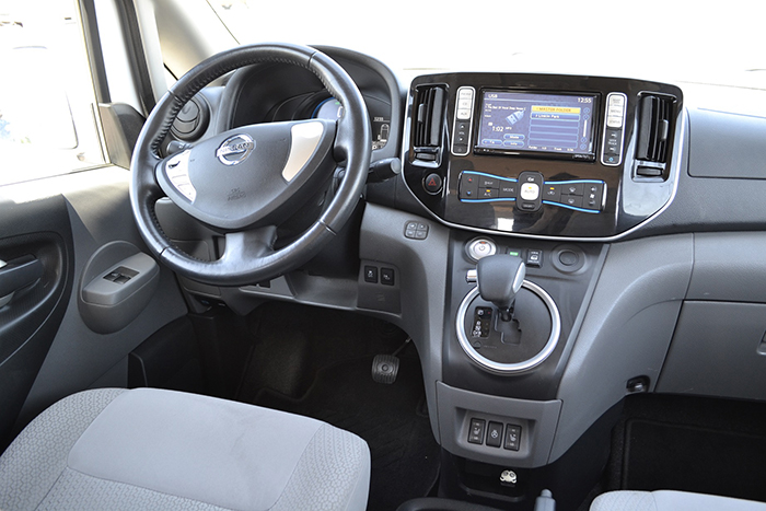 салон електромобіля Nissan e-NV200 Evalia
