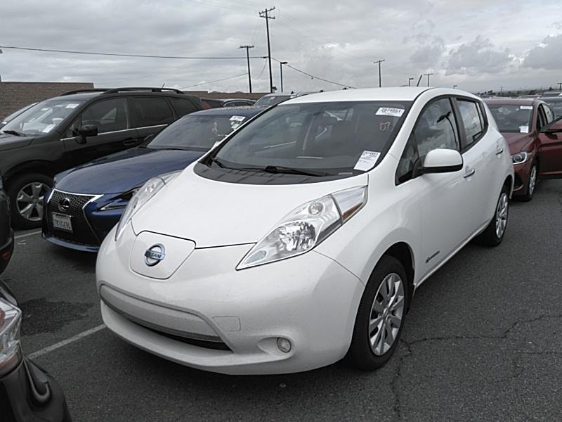 Б/у електромобіль Nissan Leaf 2015 white S+